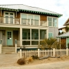 coastal-style-vacation-home-front