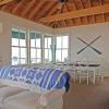 coastal-style-vacation-home-living-room