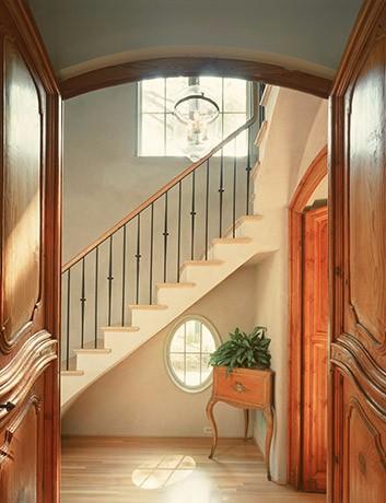 european-town-home-stairway