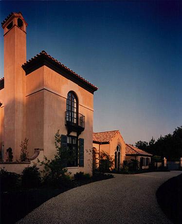 mediterranean-inspired-villa
